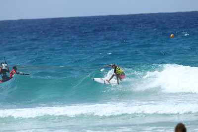 Roxy 2014 Day 1 Heat 6 #0125